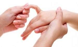 как разработать палец на руке после вывиха