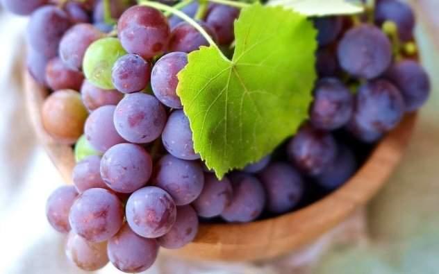 можно ли при отеках во время беременности есть виноград