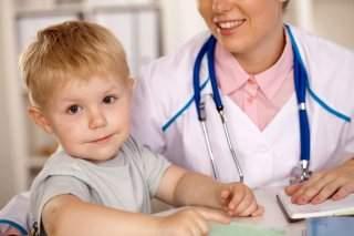 синяк на щеке у ребенка от ушиба