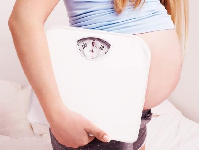почему быстро набирается вес при беременности без отеков