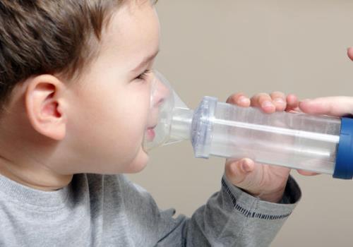 экстренная помощь при отеке горла у ребенка