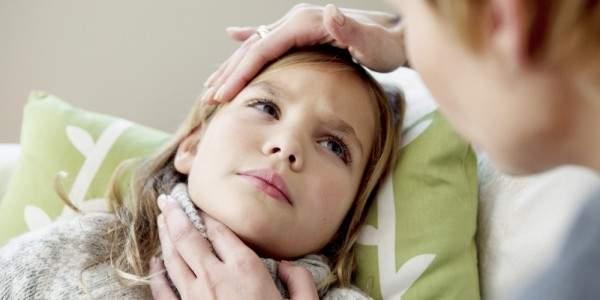 чем снять отек горла у ребенка 2 года при ларингите