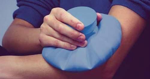 что делать при сильном ушибе руки от падения