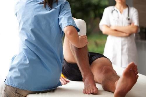 как снять отек коленного сустава в домашних условиях