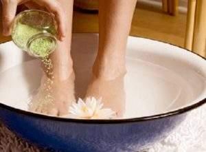 отекли ноги и глаза что делать в домашних условиях