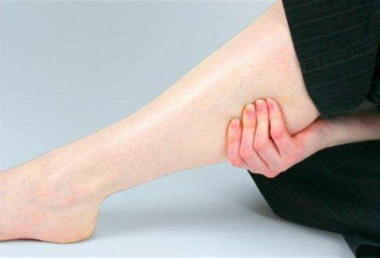 Как быстро избавиться от отеков на руках и ногах?