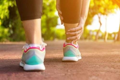 Как снять отеки ног в домашних условиях в жару?