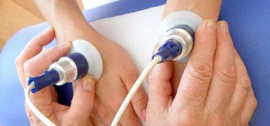 Гипсовая повязка при переломе мизинца на руке