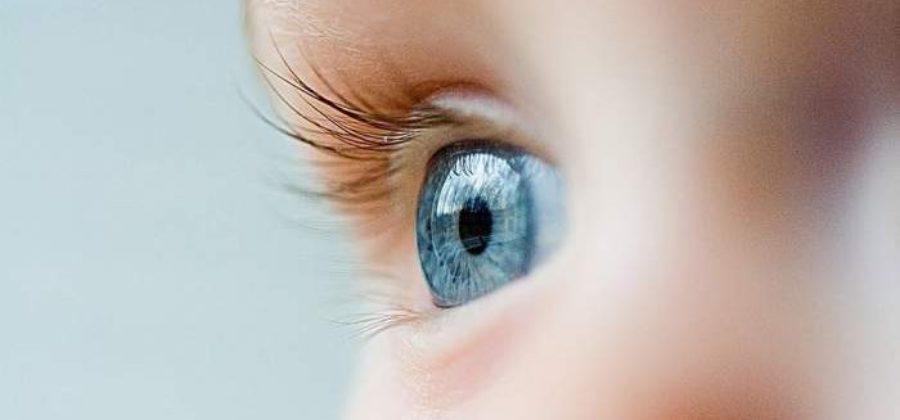 Отек глаза и щеки у ребенка причины комаровский 2 года
